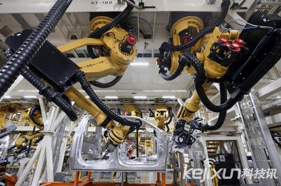 波士顿咨询公司:机器人将加速取代人类员工