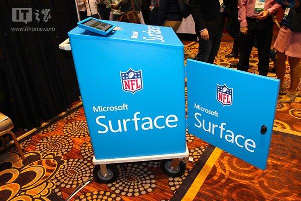 惊喜:微软回归CES2015,展示Surface NFL平板