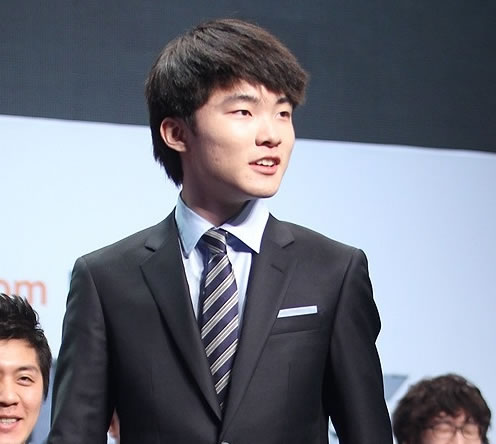 faker faker女朋友 faker赵恩静 ogn赵恩静 赵恩静资料