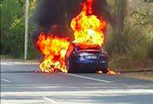 特斯拉电动汽车起火自燃! 事件详细报道