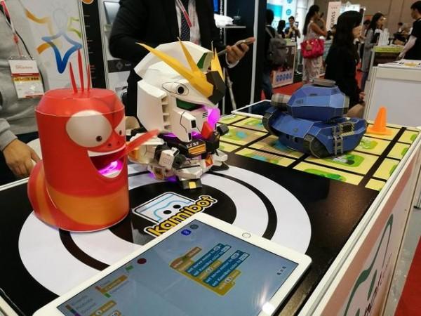创客产品竟用纸板做了个特牛的机器人!脑洞大开