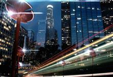 Totem太阳能路灯 可提供WiFi为电动汽车充电