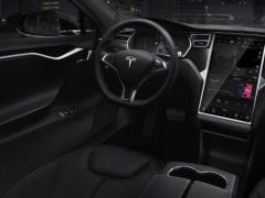 特斯拉拟下月发布增强版Autopilot 功能多