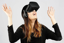 昆明女子玩VR跳楼游戏摔断门牙 体验VR需谨慎