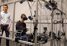 Oculus打造VR手套 将取代VR手柄控制?