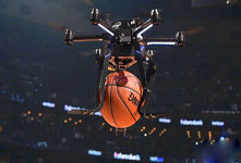 NBA扣篮大赛戈登搭档Intel无人机 别出心裁可惜玩花了