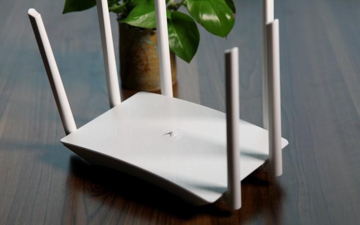 Moto摩路由发布摩路由M2,主打双频双Wi-Fi