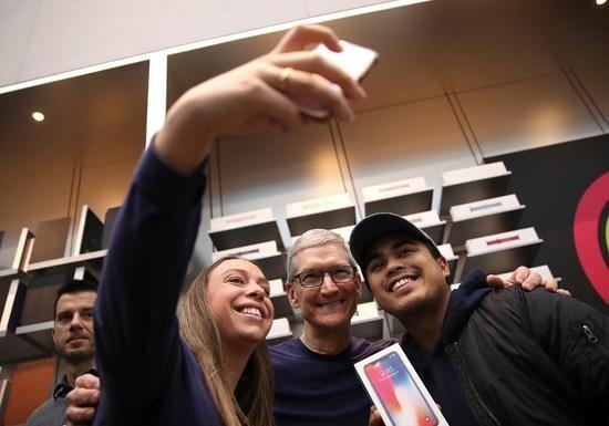 iPhone 8/iPhone X订单超过iPhone 6?库克要乐了!