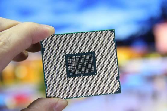 Intel八代奔腾G5600曝光 :3.9GHz双核四线程 价格硬伤!