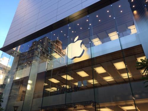 苹果手机香港爆炸怎么回事?<a href=/mobile/iphone/ target=_blank class=infotextkey>iPhone</a>电池爆炸原因