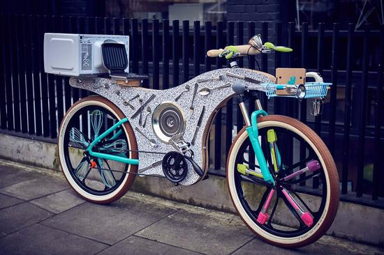 外国小哥用厨具造了一辆自行车送餐,简直亮瞎眼!