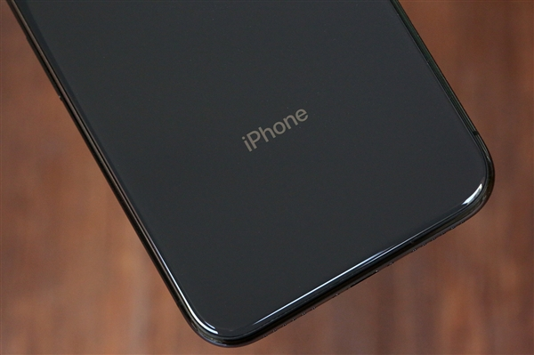 马来西亚苹果店300元清iPhone 5s库存:引万人排队