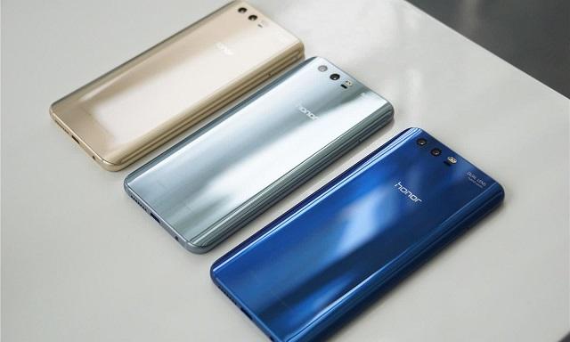 华为荣耀10手机真机曝光:异形全面屏设计 剑指小米7