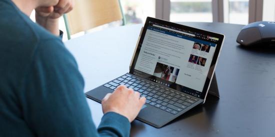 微软将推廉价版Surface平板电脑,抢iPad市场