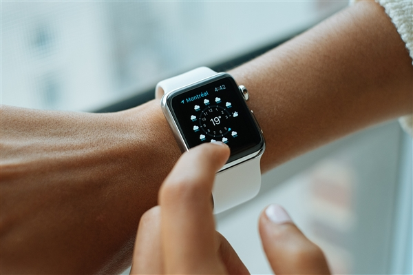 苹果watchOS 5正式发布:新增对讲机、手表支持互发语音