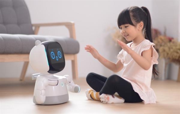 小米生态链发布情感机器人小丹 众筹价1999元
