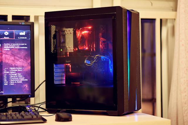 2018分水岭级游戏电脑主机配置推荐 6000六核独显均衡装机方案