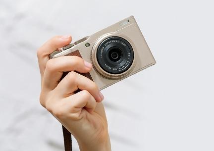 富士发布XF10便携相机:2400万像素 售价4300元!
