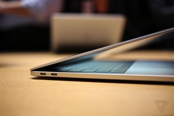 苹果新一代MacBook隐藏特性:四个雷电接口都是全速