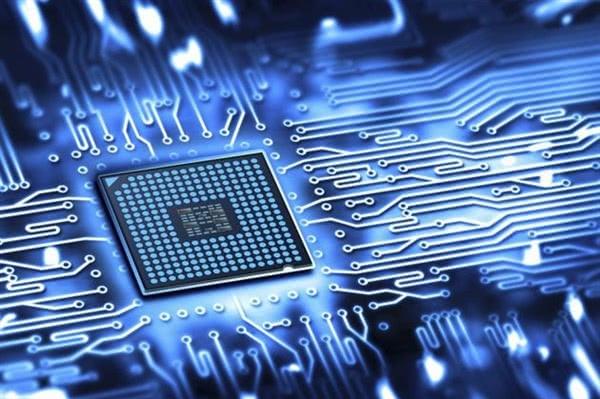 英特尔10nm处理器再度跳票 或收缩芯片代工业务