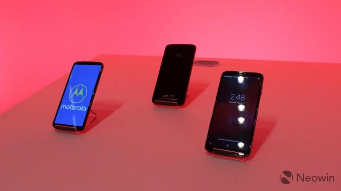 首款5G手机Moto Z3现场真机上手 通骁龙834+4GB内存+64GB
