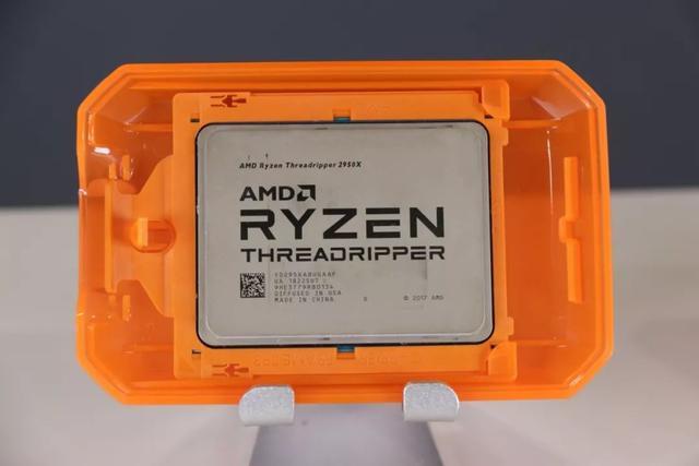 AMD线程撕裂者2990WX开箱图赏 32核最强CPU来袭!