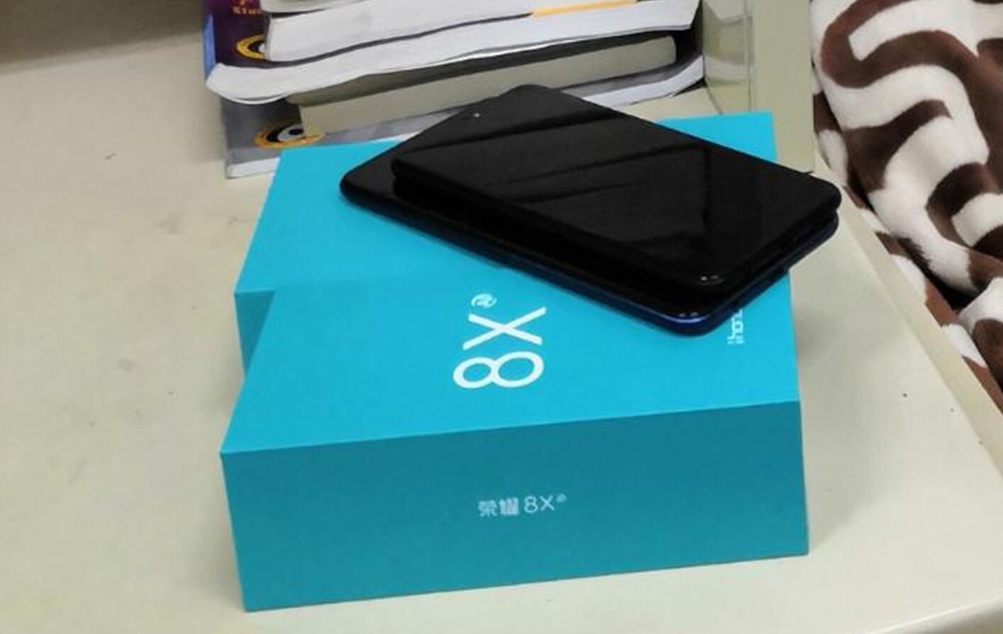 荣耀8X、荣耀8X Max开启预约 9月5日正式发布