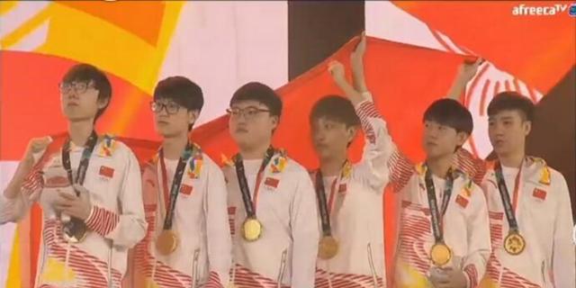 《英雄联盟》中国队亚运会夺冠,CCTV5特别夸奖Uzi