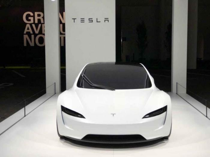 原型车亮相Grand Basel超级车展 这会是下一代Roadster的样子吗?