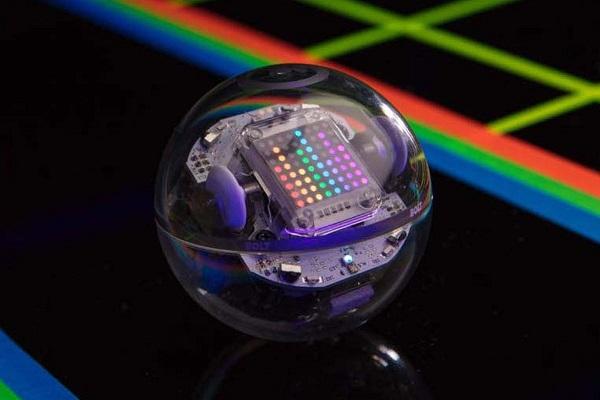 Sphero推出编程教学机器人Bolt 配备红外交互+LED点阵显示屏