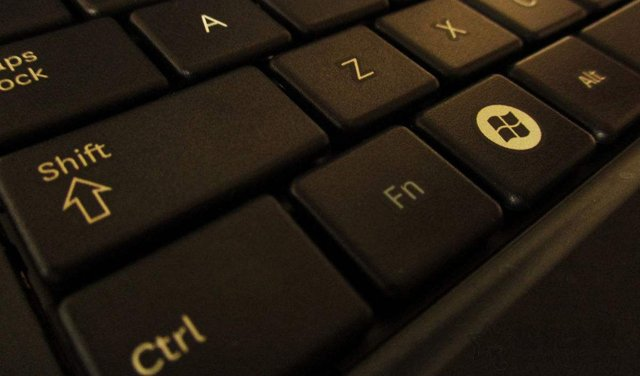 键盘上的fn键有什么用?笔记本电脑键盘上的fn键作用大全