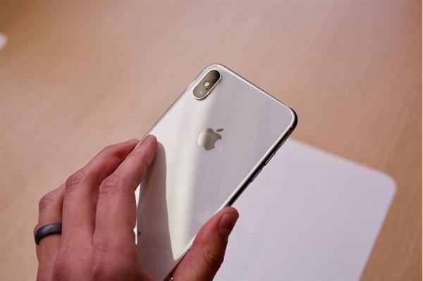 苹果iPhone XS国行版正式开卖:8699元起,iPhone XR下月预订