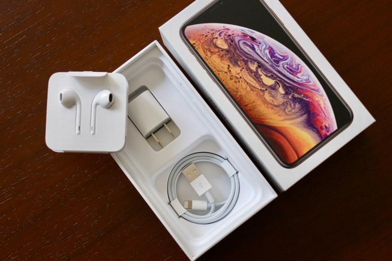 苹果iPhone XS金色开箱图赏 X模样熟悉的味道(2/10)