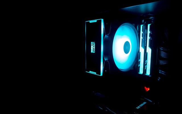 1.5万元i7-8086K搭RTX2080发烧电脑配置推荐 RGB信仰情怀加持