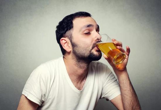地球再这么热下去,以后你可能连啤酒都喝不起了?