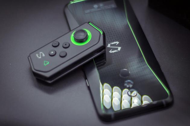黑鲨游戏手机黑鲨Helo评测:加上RGB跑马灯性能提升100%?