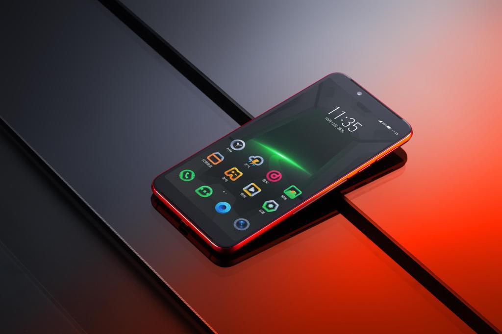 黑鲨游戏手机Helo图赏,黑鲨helo手机有哪些优缺点呢?