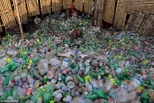 塑料在我们的日常生活中普遍存在,人类也以多种方式接触塑料。