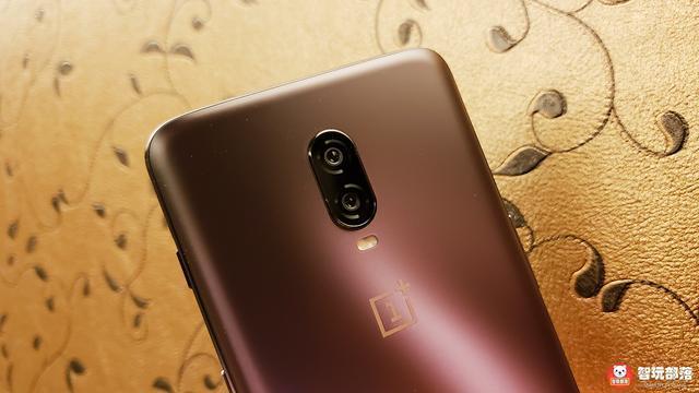 一加6T电光紫配色图赏:水滴屏+屏幕指纹