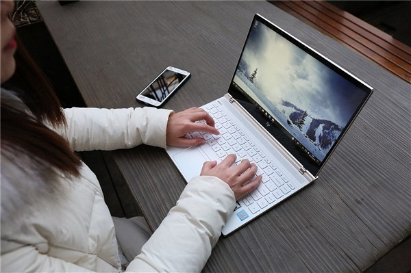 微软要把PC接管手机深入化 今后<a href=/pc/win8/ target=_blank class=infotextkey>win10</a>可接打电话收发短信