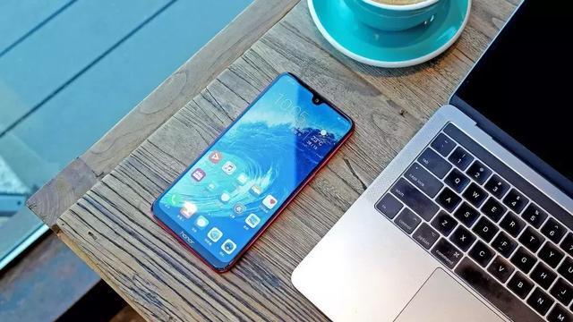 千元手机推荐!四款兼具颜值、性能和性价比千元手机推荐