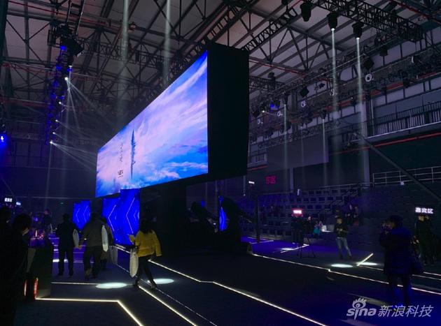 vivo NEX双屏版发布:一个机身是怎么塞进两部手机的
