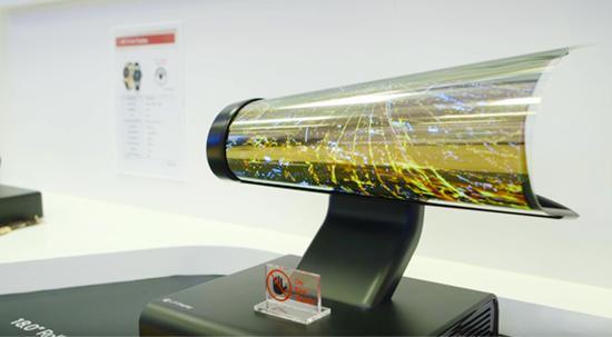 LG计划明年推出可像海报一样收卷的OLED电视