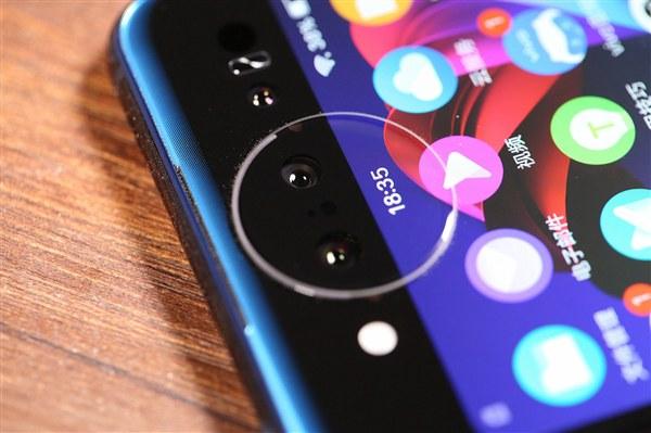 屏下指纹领衔 2018智能手机十大技术创新盘点