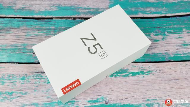 联想Z5s开箱图赏:骁龙 710+微孔水滴屏设计+后置三摄