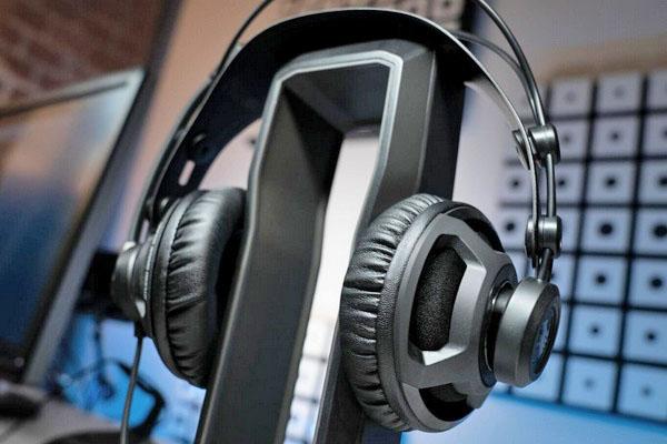 ROCCAT(冰豹)推出Renga Boost游戏耳机:50mm大单元 售价400元