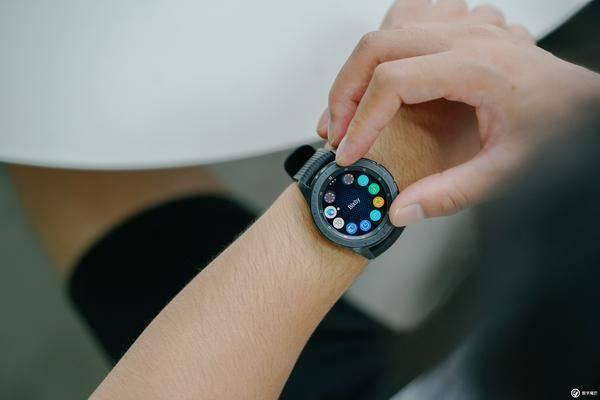 智能手表的2018年:苹果一马当先,华为叫板三星