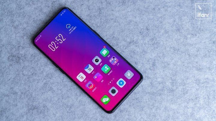 """智能手机的 2018年,就是一场对""""刘海""""的围剿战争"""