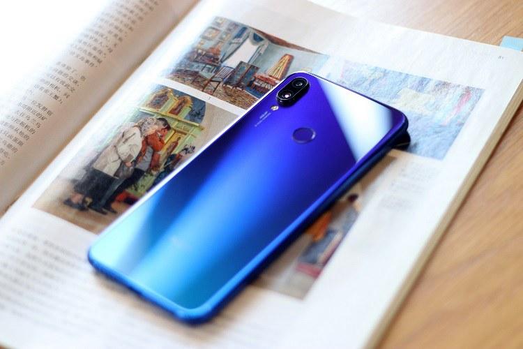 红米Note7梦幻蓝开箱图赏:满血流畅,越级新国民千元手机