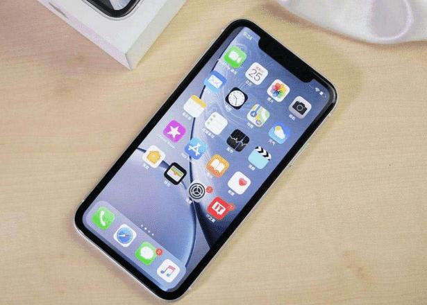"""苹果iPhone XR一夜之间跌至""""白菜价"""",网友:后"""
